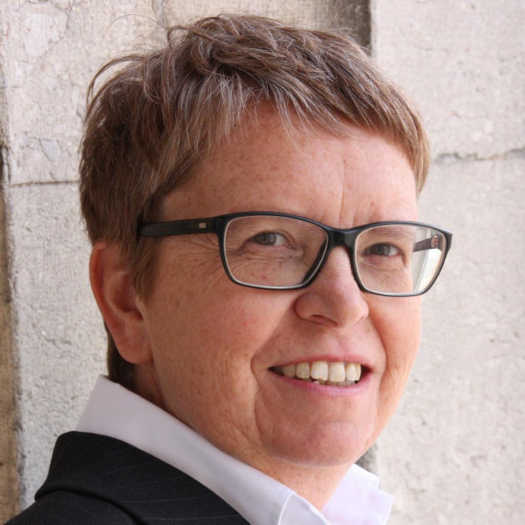 Dr. Martina Steinröder