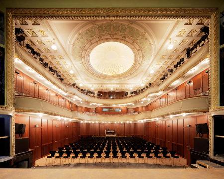 Theater_und_Orchester_Heidelberg_-_Alter_Saal_450x