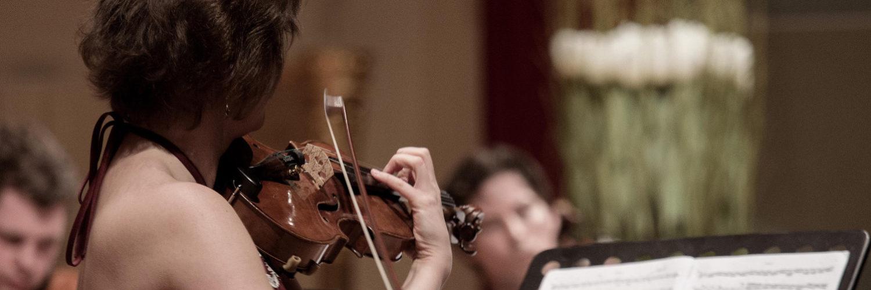 Schule des Hörens: »Erklingen im Frühling die Geigen…«